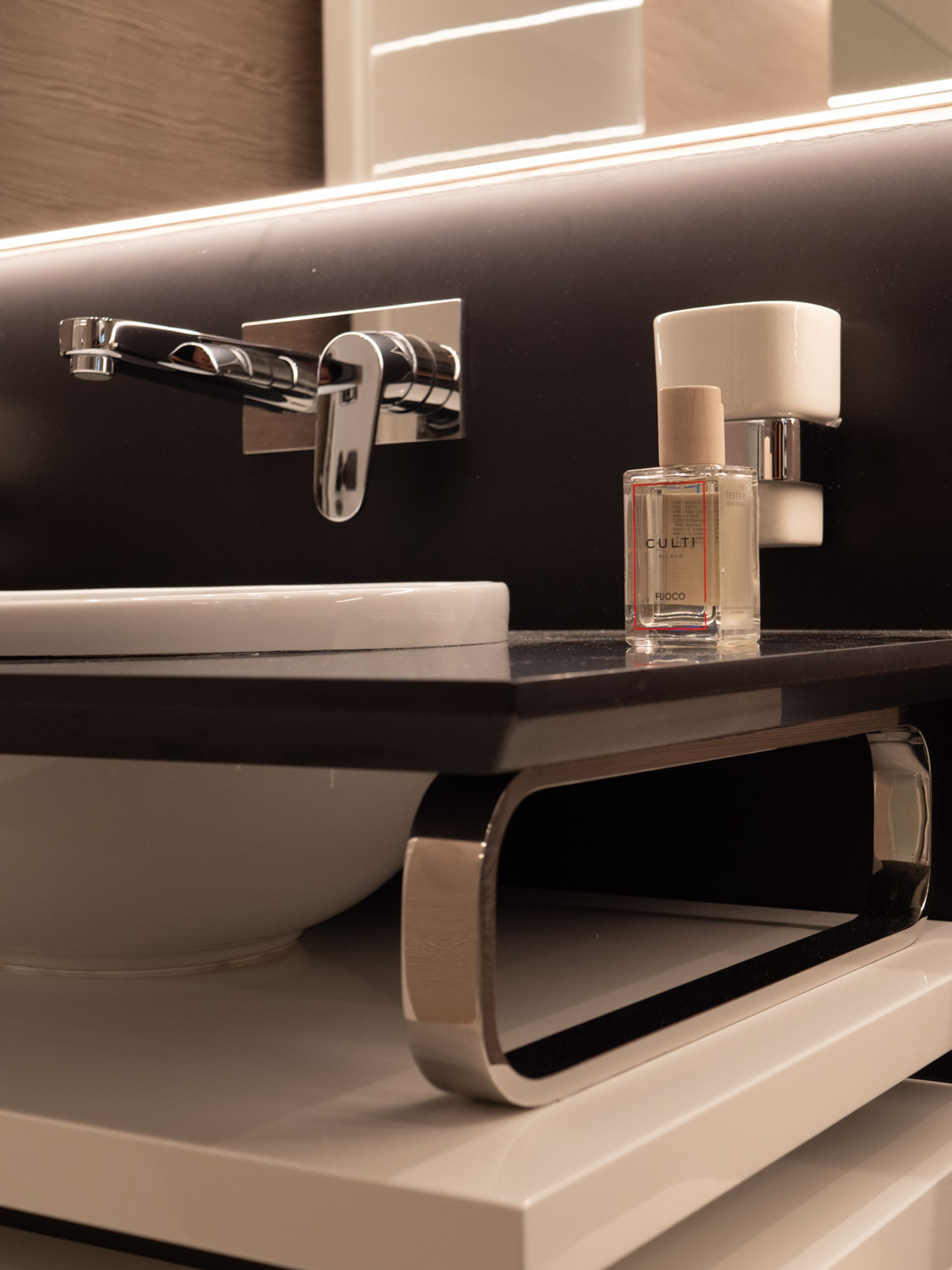 Extra 93 Yacht Bathroom Design