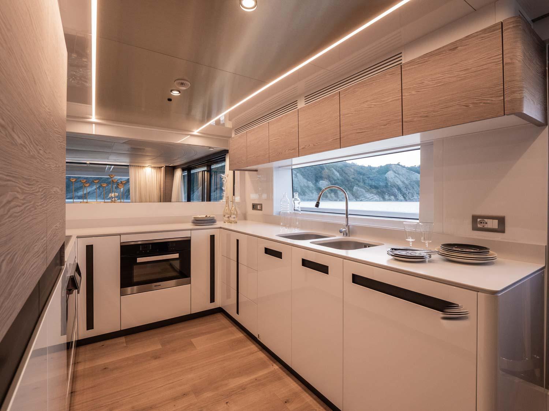Extra 93 Kitchen Yacht