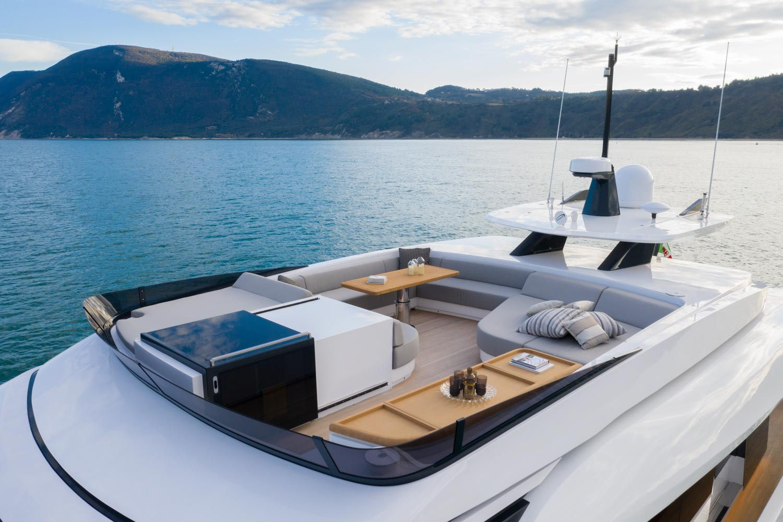 Extra 93 Yacht Exterior Design