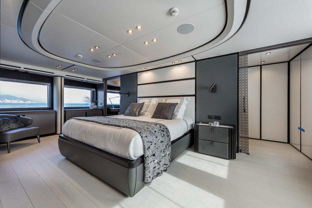 Extra 130 Yacht Internal Foto