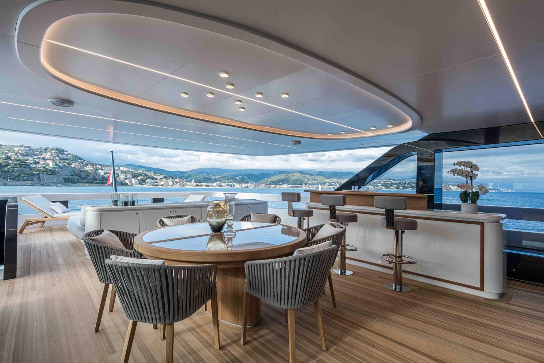 Extra Yacht 130 Exterior