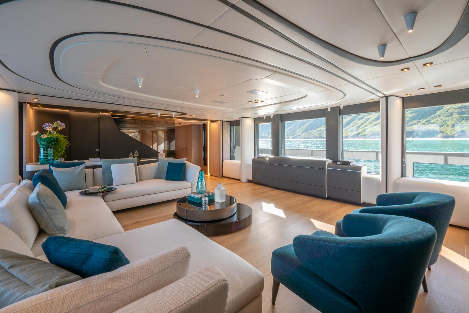 Exclusive Yacht Design Extra 93