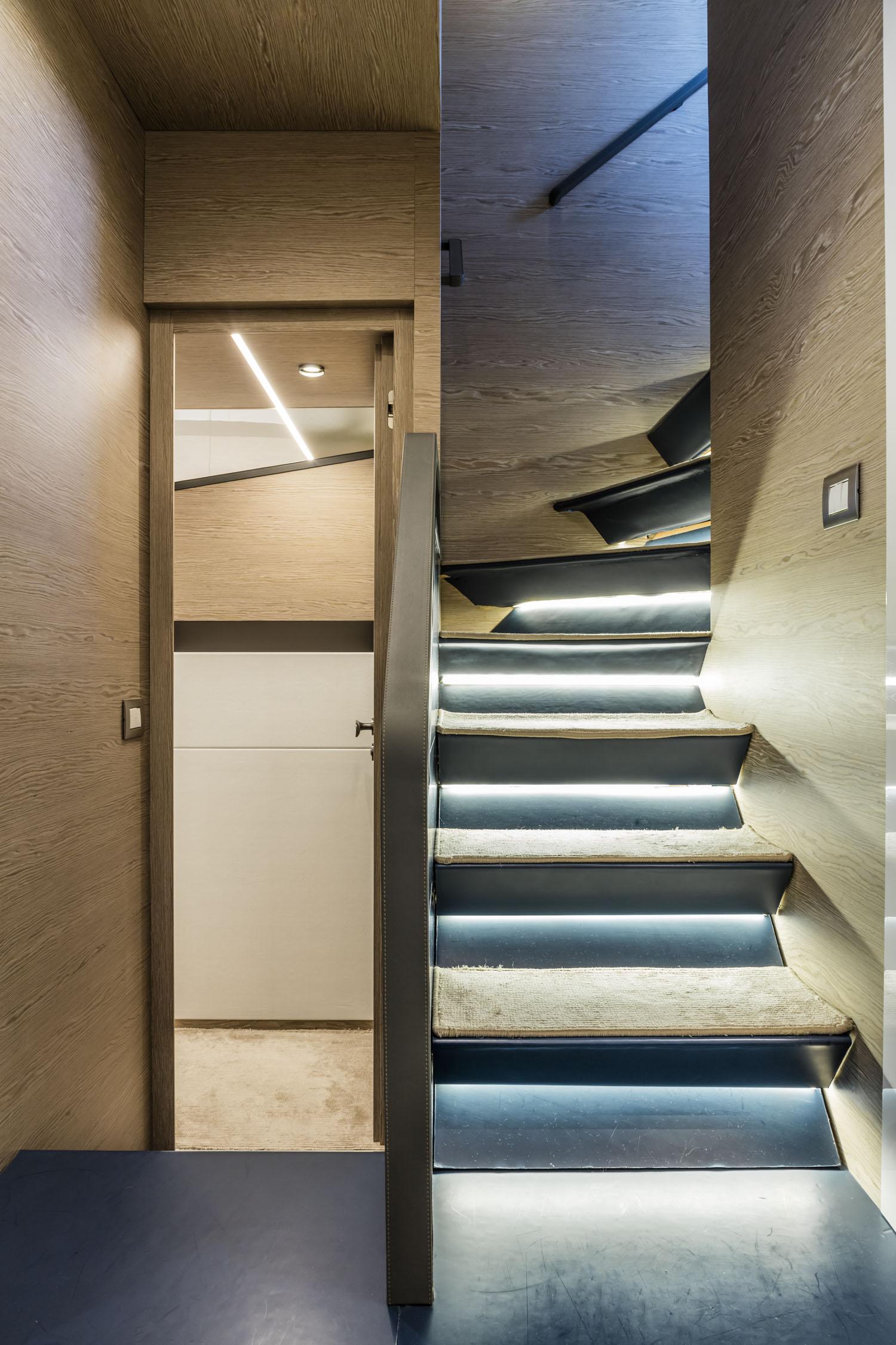 Interior – 76