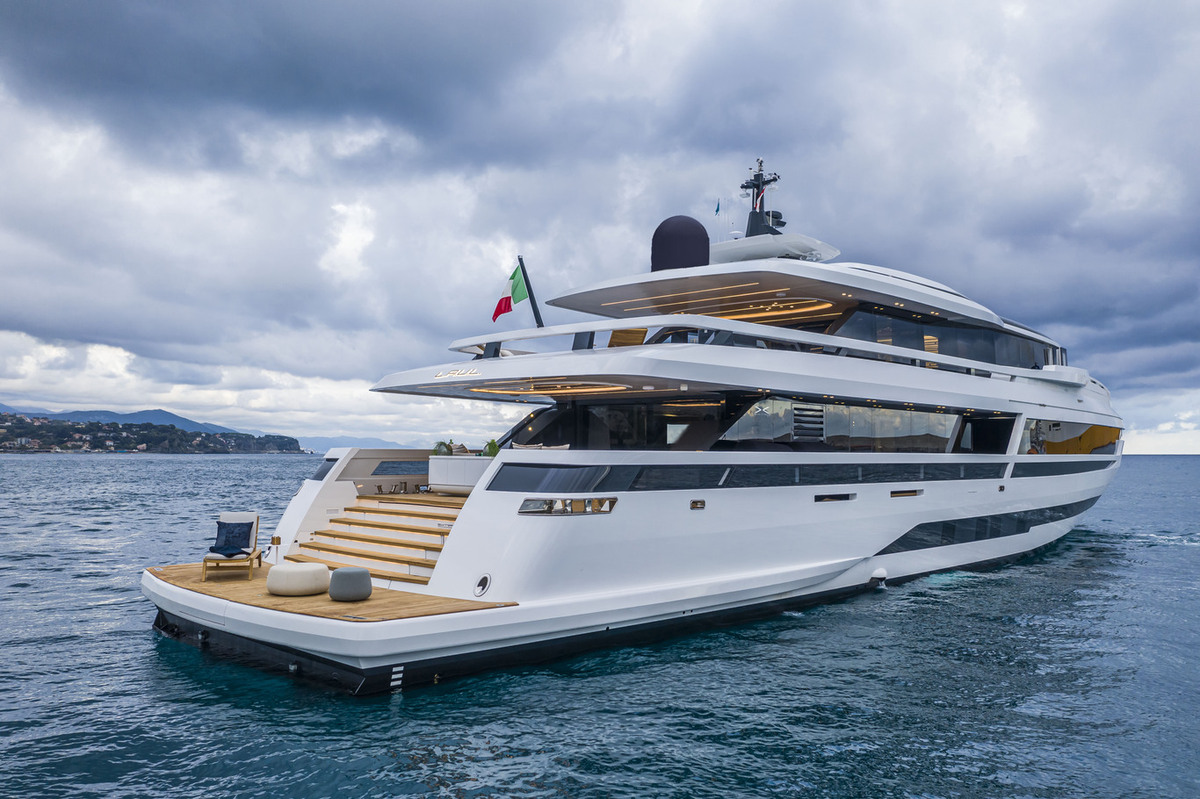 Extra Yacht 130 Exterior View